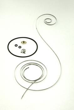 交換部品:ゼンマイ、2番車、ローター止め座、 パッキン(ガラス部分含む)