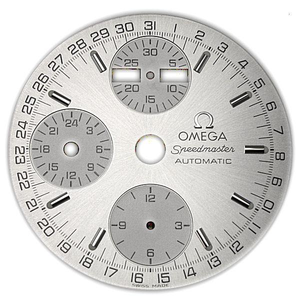 (左)オメガ スピードマスター 文字盤交換前 文字盤